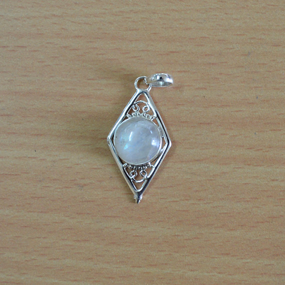 Beautiful Silver Pendant,Rainbow Moon Stone 925 Sterling Silver Necklace ,Genuine Moonstone Round pendant - Gemstone pendan
