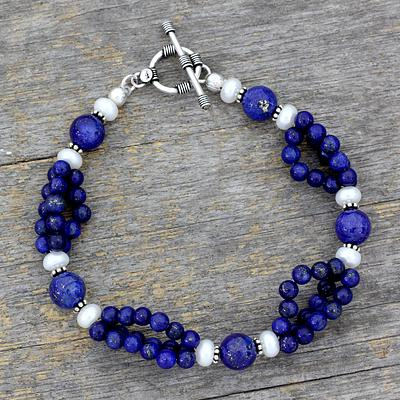 Lapis lazuli and pearl beaded bracelet