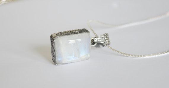 Moonstone Necklace - Vintage Necklace - Silver Necklace - Gemstone Necklace - Bezel Set Necklace - Moonstone Pendant - Antique Jewelry