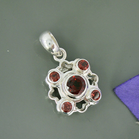 Natural Mozambique Garnet Gemstone Pendant, 925 Sterling Silver Pendant, Unique Gift Pendant Jewelry,