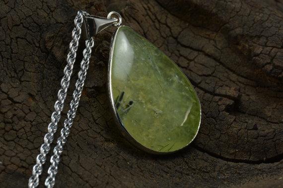 prehnite necklace, yellow green pendant, teardrop necklace, gemstone pendant necklace, copper necklace, chain necklace, prehnite jewelry