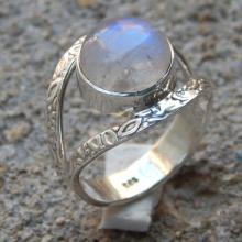 925 Sterling Silver Rainbow Moonstone Gemstone Ring