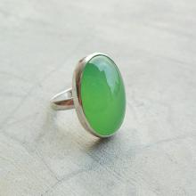 Apple green ring - Chalcedony ring jewelry - Bezel set - Oval ring - Gemstone ring