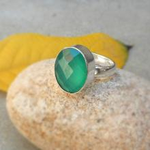 Green chalcedony ring, Gemstone Ring, bezel oval ring, Green chalcedony sterling silver ring size 7, Fashion Ring, chalcedony ring