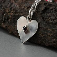 Heart pendant - Garnet pendant - Gemstone pendant - Artisan pendant