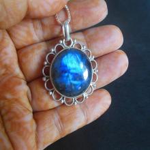Labradorite Pendant - Gemstone Pendant - Sterling silver pendant - Artisan pendant - Bezel set pendant