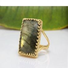 Labradorite ring,gold filled ring,gemstone ring,fire ring,statement ring,semi precious ring,bridesmaid gifts
