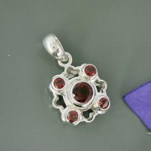 Natural Mozambique Garnet Gemstone Pendant, 925 Sterling Silver Pendant, Unique Gift Pendant Jewelry,