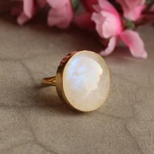 gold moonstone ring - Natural Moonstone Ring - Round ring - Gold Bezel ring - Gemstone ring