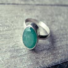 green sapphire ring, stone ring, gemstone ring, dainty ring, stack stone ring, small gemstone ring, green stone ring, round stone ring